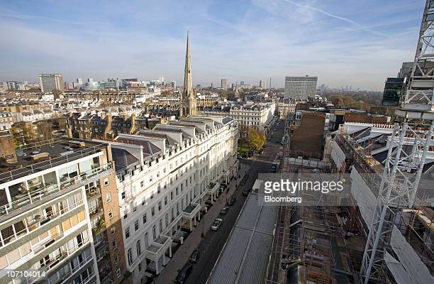 Automobiles are seen parked on Lancaster Gate from the roof of The Lancasters redevelopment near Hyde Park in London, U.K., on Wednesday, Nov. 24,...
