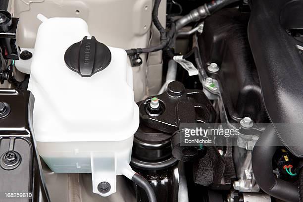 automotive motor tanque do líquido refrigerante - reservatório - fotografias e filmes do acervo