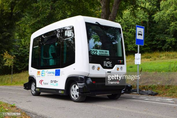 autonomous bus on the bus stop - independence stock pictures, royalty-free photos & images