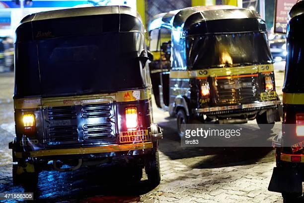 autorickshaws at night in mumbai - rickshaw stock pictures, royalty-free photos & images