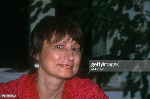 Autorin Frankreich Porträt Februar 2002