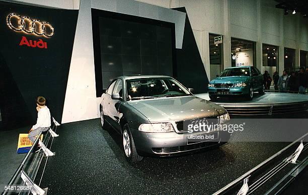 Autos Avus Attraktionen' in den Messehallen unter dem Funkturm Der neue AUDI A4 Oktober 1994