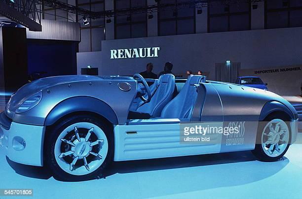 `Autos Avus Attraktionen' in denMessehallen am Funkturm RenaultForschungsstudie Argos Oktober 1994
