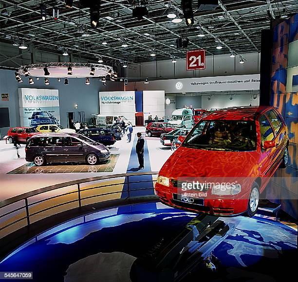 `Autos Avus Attraktionen' in denMessehallen am Funkturm Halle der Volkswagen AG mit demneuen Modell `Polo` Oktober 1994