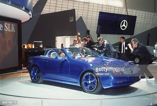 `Autos Avus Attraktionen' in denMessehallen am Funkturm Mercedes Roadster SLK Oktober 1994