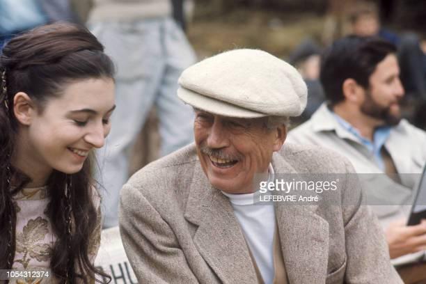 Autriche septembre 1968 John Huston tourne son film 'Promenade avec l'amour et la mort' avec sa fille Anjelica 16 ans qu'il dirige pour la première...