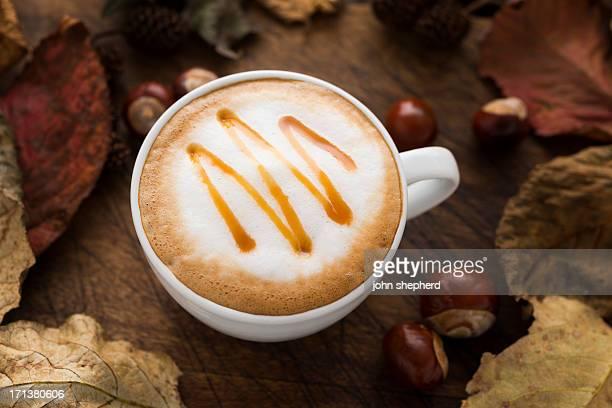 秋のキャラメルコーヒー