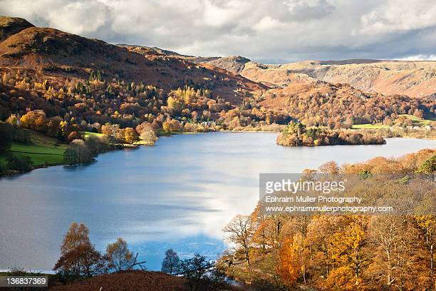 autumn color in lake - keswick stock pictures, royalty-free photos & images