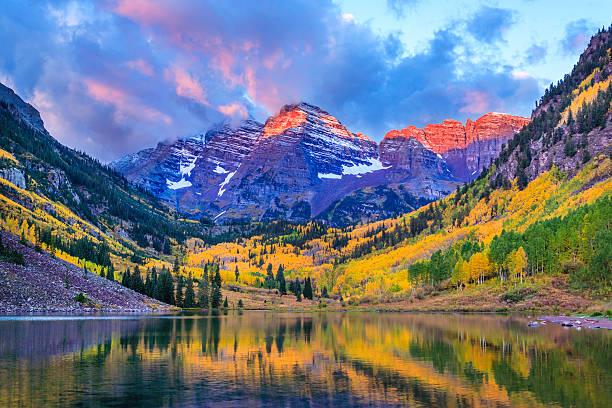 Autumn Colors At Maroon Bells And Lake Wall Art