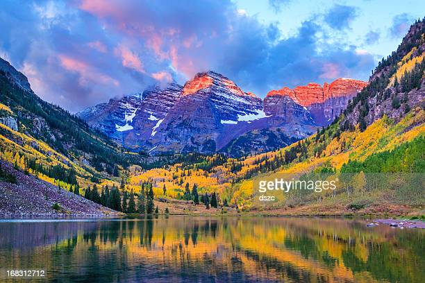 autumn colors at maroon bells and lake - aspen colorado stock photos and pictures