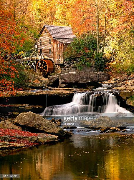 autumn glade creek mill, babcock state park, west virginia - protohistory_of_west_virginia stock pictures, royalty-free photos & images