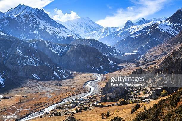 autumn himalaya landscape, annapurna circuit, nepa - annapurna circuit stock photos and pictures