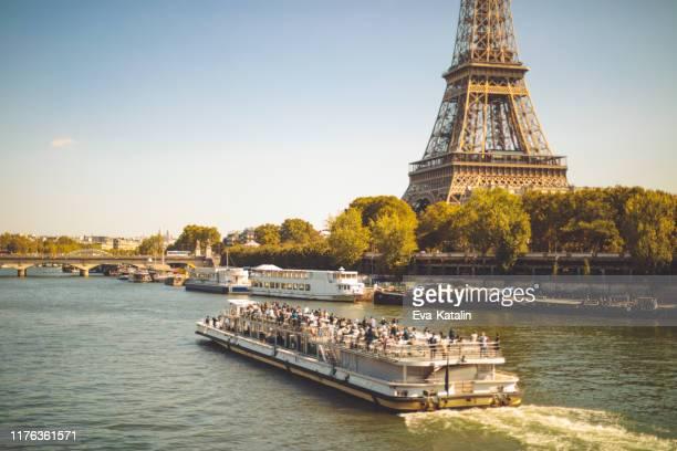 herbst in paris - fluss seine stock-fotos und bilder