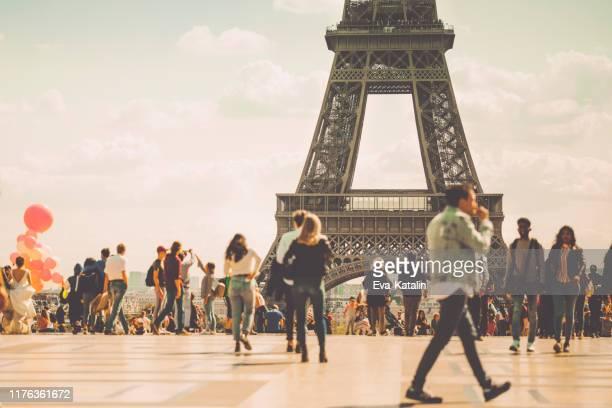 autumn in paris - ile de france stock pictures, royalty-free photos & images