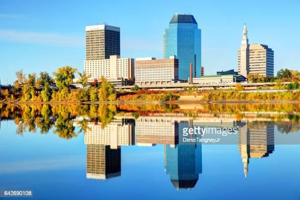 秋、マサチューセッツ州スプリングフィールド - スプリングフィールド ストックフォトと画像