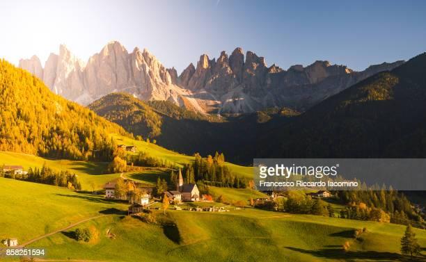 autumn in the dolomites alps - francesco riccardo iacomino france foto e immagini stock