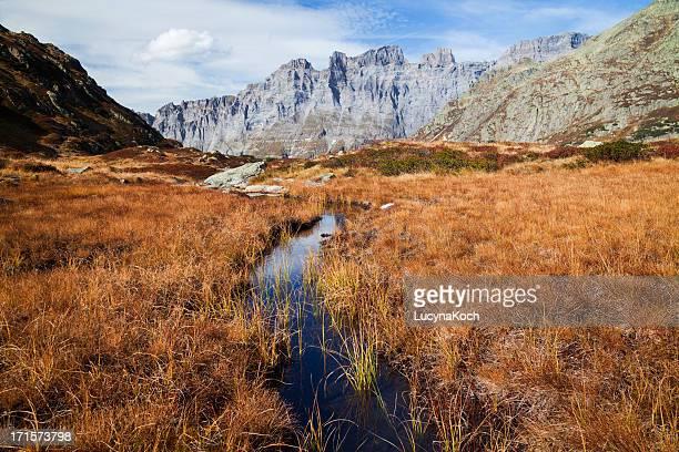 herbst auf die berge - lucyna koch stock-fotos und bilder