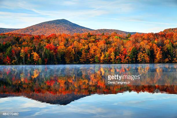 autumn in vermont - herfst stockfoto's en -beelden
