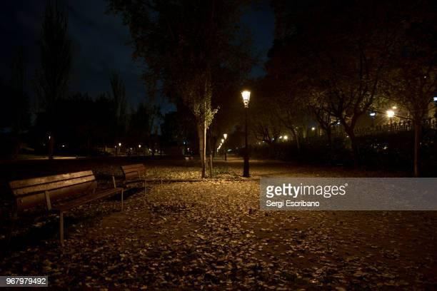 autumn night - 暦月 ストックフォトと画像