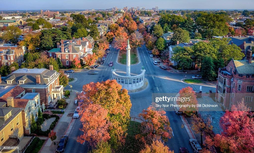 Autumn on Monument : Stock-Foto