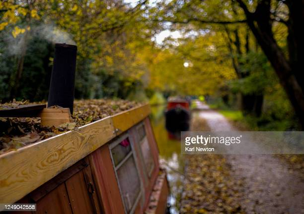 autumn on the canals birmingham - birmingham england stock pictures, royalty-free photos & images