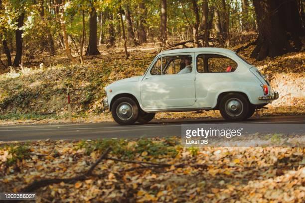 秋の屋外旅行 - ドライブ旅行 ストックフォトと画像