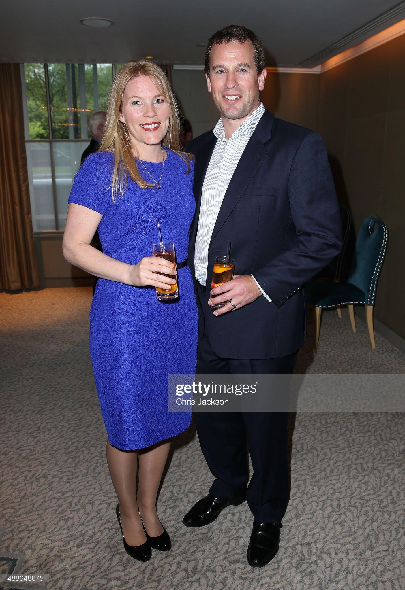 Вечерние наряды Отем пока еще Филлипс и Сары Йоркской Sentebale Summer Party - Inside : News Photo