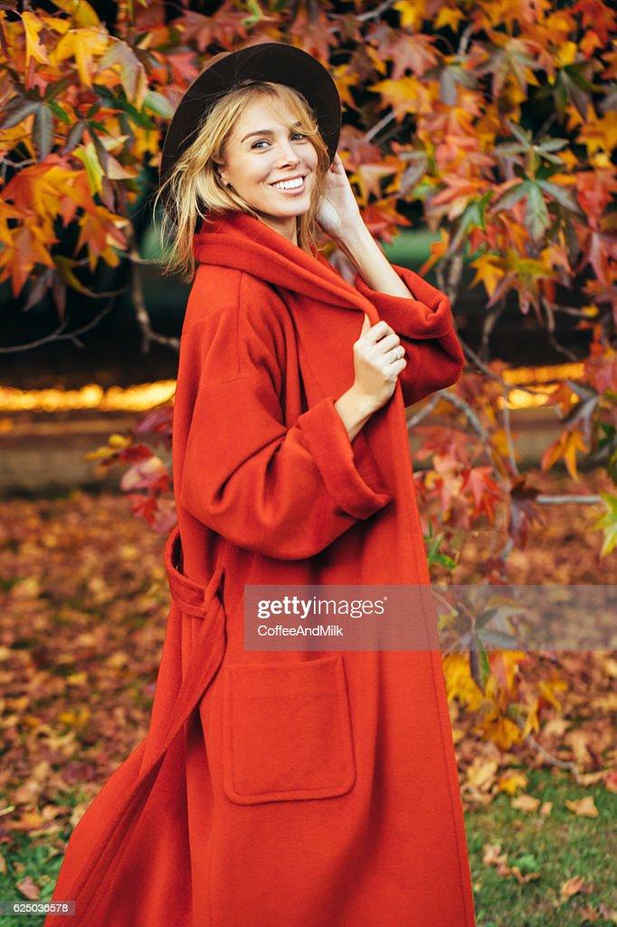 Herbst Foto von einer Schönes Mädchen : Stock-Foto