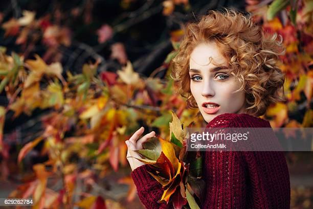 Herbst Foto von einer Schönes Mädchen