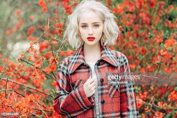 Autumn photo of beautiful girl