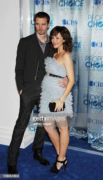 Autumn Reeser and husband Jesse Warren arrive at the 2011 People's Choice Awards at Nokia Theatre LA Live on January 5 2011 in Los Angeles California