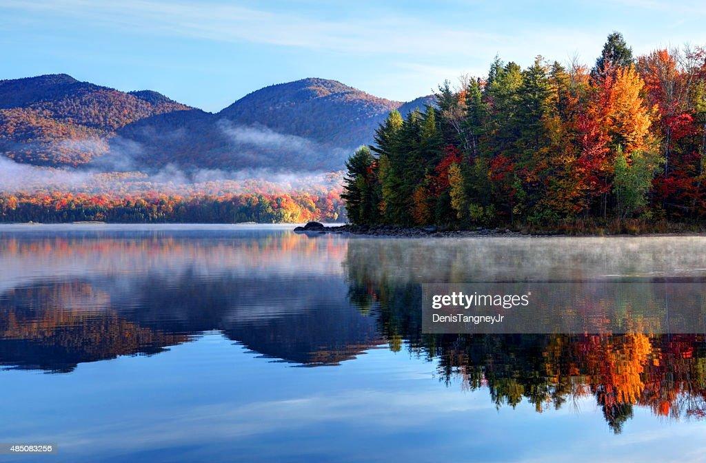 Herbst Reflexion im malerischen Vermont : Stock-Foto
