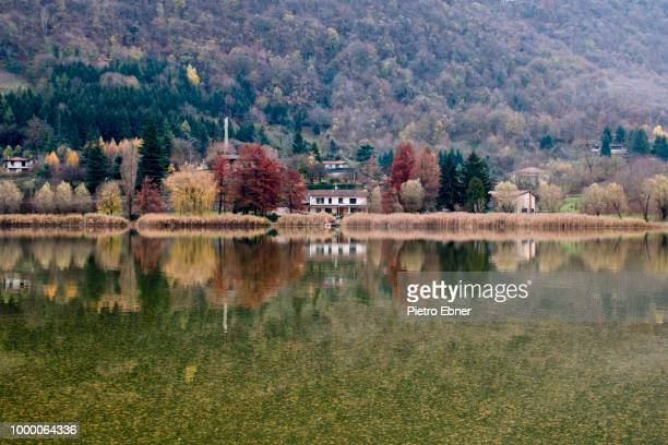 autumn reflections - pietro ebner foto e immagini stock