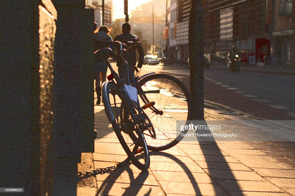 Autumn sunlit London street scene : Stock Photo