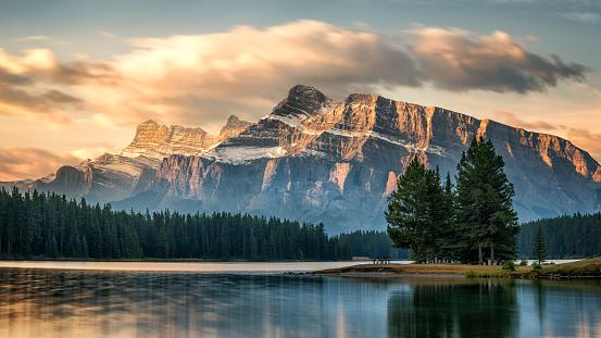 Autumn Sunrise on Mount Rundle from Two Jack Lake - Banff National Park 954333926