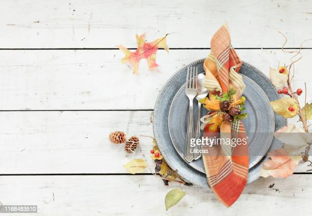 autumn thanksgiving place setting - thanksgiving background stock photos and pictures