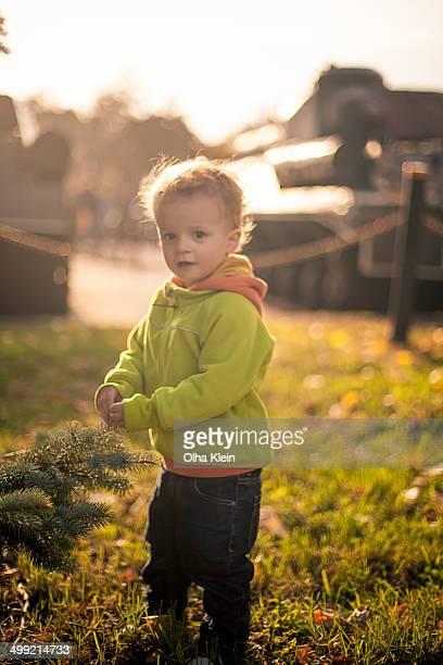 autumn toddler portrait - klein bildbanksfoton och bilder