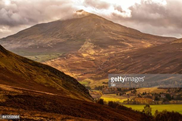 """ver otoño en las tierras altas escocesas - """"sjoerd van der wal"""" or """"sjo"""" fotografías e imágenes de stock"""