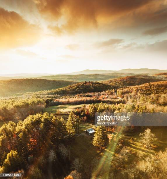 autumnal landscape in vermont - vermont stock pictures, royalty-free photos & images