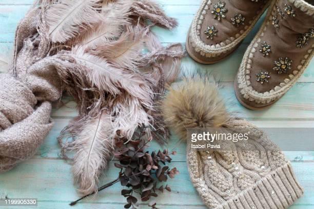 autumn-winter clothes flat lay - herbst winter kollektion stock-fotos und bilder