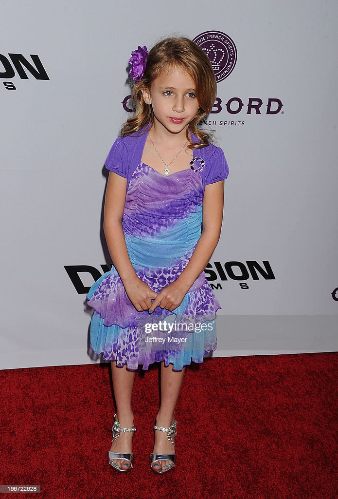 Ava Kolker arrives at the 'Scary Movie V' - Los Angeles Premiere at ArcLight Cinemas Cinerama Dome on April 11, 2013 in Hollywood, California.