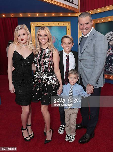 "Ava Phillippe, Reese Witherspoon, Deacon Phillippe, Tennessee James Toth and Jim Toth attend the premiere Of Universal Pictures' ""Sing"" on December..."