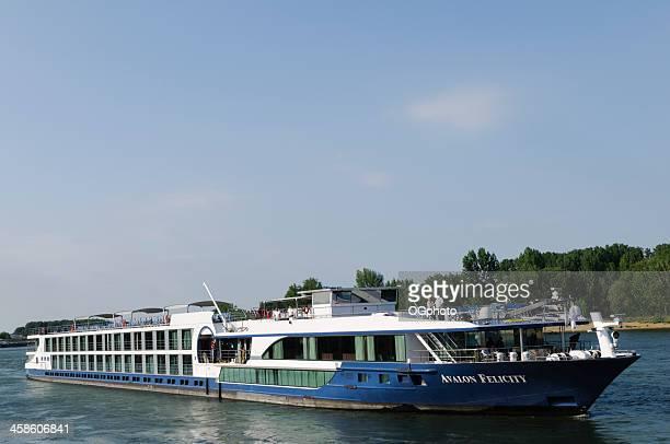 avalon felicity nave da crociera sul fiume reno - ogphoto foto e immagini stock