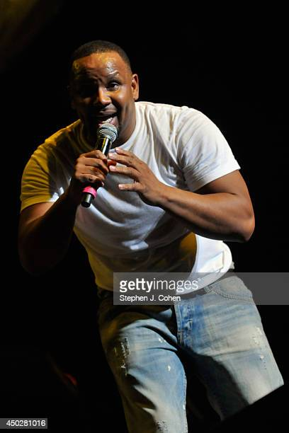Avant performs during the 2014 Midwest Music Festival at the KFC YUM Center on June 7 2014 in Louisville Kentucky