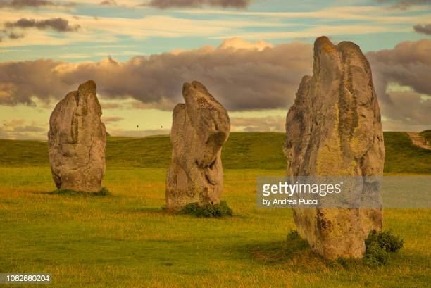 avebury, wiltshire, united kingdom - ウィルトシャー州 ストックフォトと画像