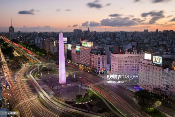 avenida 9 de julio, buenos aires - argentina stock pictures, royalty-free photos & images