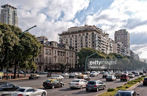 Avenue del Libertador is a big avenue , are 35 km , linking the neighborhood Retiro until the Canal St. Ferdinand . The lower building, on the...