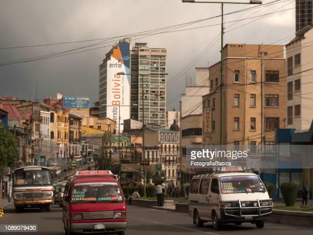 avenida de la paz, bolivia - bolivia fotografías e imágenes de stock