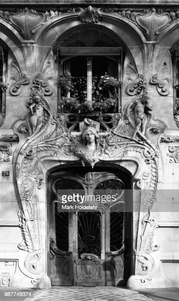 avenue rapp art nouveau doorway - art nouveau fotografías e imágenes de stock