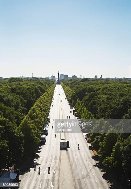 Avenue toward the Victory Column, Berlin